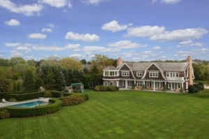 jlos-elegant-mansion-in-the-hamptons-10