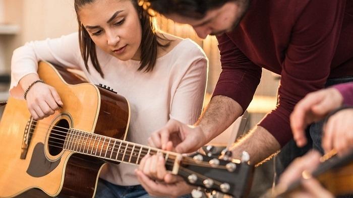 индивидуальные курсы игры на гитаре